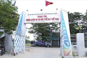 Trung tâm thể dục thể thao Ninh Thuận biến thành bến đậu xe khách?