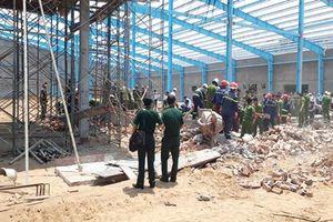 Vụ sập tường nhà xưởng ở khu công nghiệp có thêm 1 người tử vong