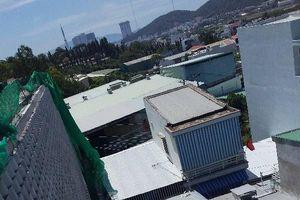 Nha Trang quyết tháo dỡ tường chắn khổng lồ trên đầu nhà dân