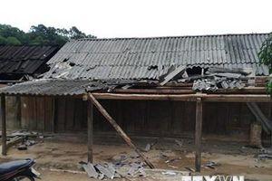 Lốc xoáy kèm mưa đá gây thiệt hại ở huyện miền núi của tỉnh Nghệ An