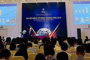 ĐHĐCĐ PNJ: Cổ đông thắc mắc về vấn đề liên quan đến Ngân hàng Đông Á