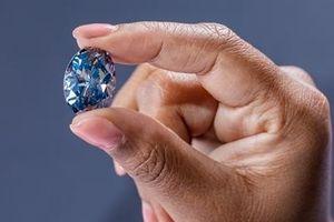 Điều đặc biệt của viên kim cương xanh vừa gây chấn động
