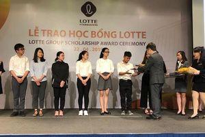 LOTTE trao 21.600 USD học bổng cho 54 sinh viên TP HCM