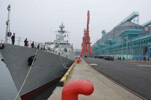 Biên đội tàu hộ vệ Việt Nam cập cảng Thanh Đảo thăm Trung Quốc