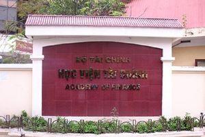 Học viện Tài chính hủy kết quả của thí sinh được nâng gần 7 điểm ở Hòa Bình