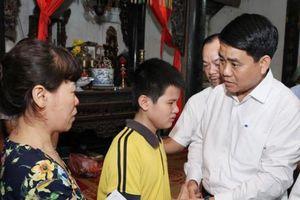 Vụ nữ lao công bị 'xe điên' tông tử vong: Chủ tịch Hà Nội tới thăm hỏi gia đình nạn nhân