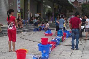 Hà Nội thừa nước sạch nhưng thiếu... đường ống