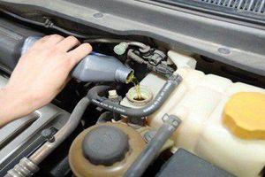 Không cần đến garage, ai cũng có thể tự thực hiện một số việc chăm sóc xe