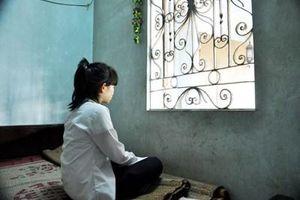 Thầy giáo bị tố làm nữ sinh 13 tuổi mang thai