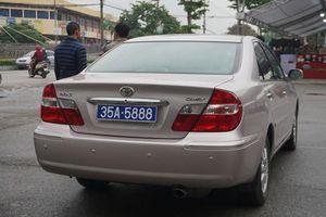 Ninh Bình: Thu hồi 2 biển số xe ô tô phục vụ Phó Bí thư Thường trực Tỉnh ủy