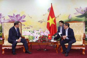 Thứ trưởng Vũ Đại Thắng làm việc với Nguyên Bộ trưởng Bộ Phát triển doanh nghiệp nhỏ và vừa Hàn Quốc