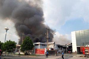 Bình Dương: Cháy lớn tại Khu công nghiệp Mỹ Phước 2