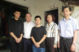 Hà Nội: Hỗ trợ học phí cho con trai nạn nhân trong vụ 'xe điên' tại quận Đống Đa