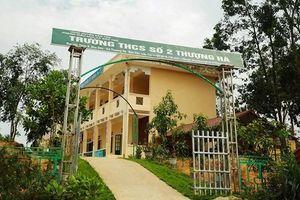 Lào Cai: Đình chỉ 30 ngày thầy giáo bị tố xâm hại học sinh lớp 8