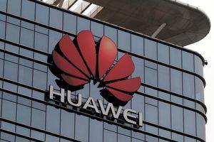 Quan chức Anh lo ngại về quyết định bật đèn xanh cho Huawei của bà May