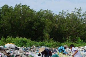 Hàng trăm xác thai nhi trong rác thải: Chính quyền địa phương nói không biết