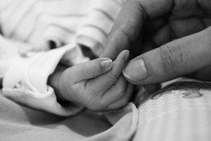 Từ vụ bé gái 8 tháng tuổi tử vong tại nhà trẻ: Khi niềm tin phụ huynh đặt nhầm chỗ
