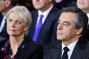Cựu Thủ tướng Pháp và vợ sẽ hầu tòa tham nhũng