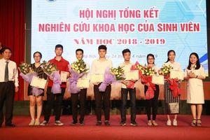 Hơn 40 công trình khoa học sinh viên Đại học GTVT đạt giải Nhất