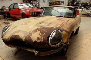 Công nghệ phục chế xe cũ nát: Jaguar E-Type từ 'đống sắt vụn' đến đẹp long lanh