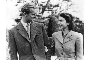 Những bức ảnh hiếm có của Nữ hoàng Anh Elizabeth II thời trẻ