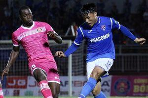 Cầu thủ Việt kiều nhận 2 án phạt nguội vì lỗi khiêu khích