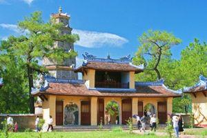 TT-Huế: Xử lý đối tượng 'chặt chém' du khách khi tham quan chùa Thiên Mụ