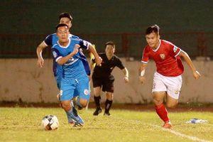 Hà Tĩnh bị 2 thẻ đỏ trong trận hòa 3-3 trước Phố Hiến