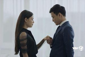 Mê cung tập 1: Hoàng Thùy Linh bị 'khớp' khi diễn cảnh tình cảm với Hồng Đăng