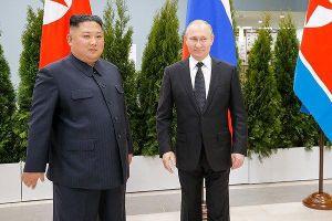 Khoảnh khắc Tổng thống Putin lần đầu 'mặt đối mặt' Chủ tịch Kim Jong-un