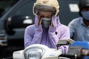 Nhiều hàng hóa ăn theo ngày Hà Nội, Sài Gòn nắng gay gắt