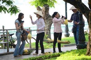'Chặt chém' ngay cửa chùa Thiên Mụ: Gần 2kg măng cụt giá 1 triệu đồng