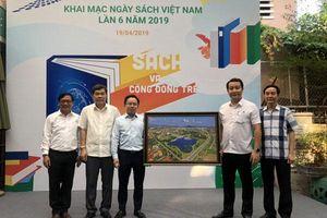 Đoàn công tác thành phố Vĩnh Yên dự Ngày Sách Việt Nam tại TP. Hồ Chí Minh