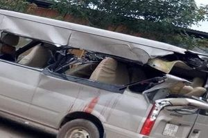 Xe container tông xe 16 chỗ từ phía sau, 1 người tử vong