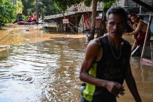 Lũ lụt tại Indonesia khiến hàng trăm người dân phải sơ tán