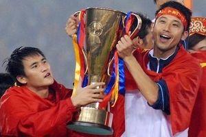 Bộ đôi cựu tuyển thủ VN góp mặt trong đội hình châu Á đấu Tây Ban Nha