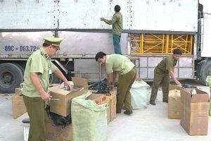 Quảng Bình: Bắt vụ vận chuyển gần 19.000 bao thuốc lá lậu