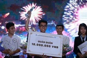 Sinh viên Đại học Luật Hà Nội giành Quán quân Cuộc thi hùng biện Socrates 2019