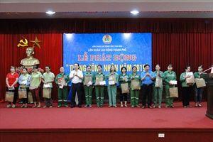 LĐLĐ TP. Thái Bình phát động Tháng Công nhân, tặng quà NLĐ khó khăn