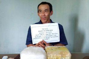 Bắt đối tượng vận chuyển 2kg ma túy đá từ Lào về Việt Nam qua cửa khẩu quốc tế Bờ Y