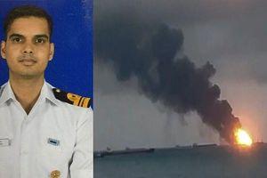 Tàu sân bay duy nhất của Ấn Độ bốc cháy, có thiệt hại về người