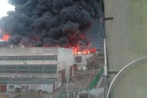 Cháy lớn tại nhà máy chế tạo tên lửa Nga
