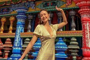 Sao Việt du lịch nước ngoài, cùng bạn bè hát karaoke dịp nghỉ lễ