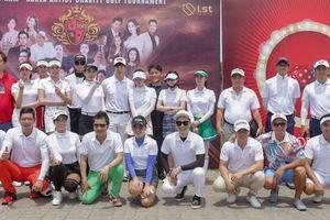 Nghệ sĩ Việt - Hàn 'đối đầu' trên sân golf