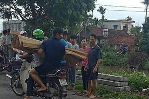 Nam Định: Bé trai 7 tuổi đi xe đạp ngã xuống sông gần nhà tử vong