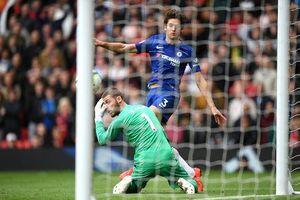 De Gea mắc sai lầm, M.U bị Chelsea 'cưa điểm'
