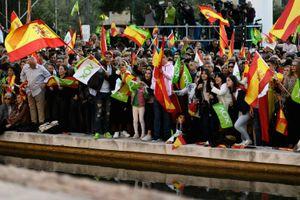 Bỏ phiếu bầu cử Quốc hội Tây Ban Nha: sự hồi sinh của phe cực hữu