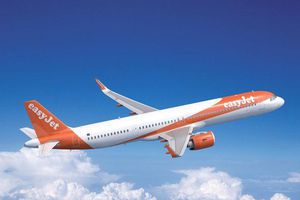 Hành khách cố mở cửa máy bay khi đang bay ở độ cao 10.000m