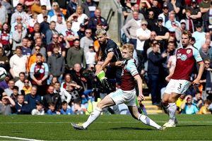 Burnley 0-1 Manchester City: Một bàn là đủ