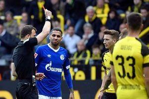 Borussia Dortmund 'dâng' chức vô địch Bundesliga cho Bayern Munich